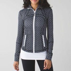 Like new Lululemon SZ 2 Black & white marl jacket
